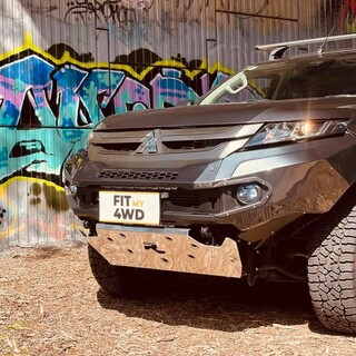 🔥🔥🔥 DROP IT LIKE ITS HOT 🔥 🔥🔥  This MR Mitsubishi Triton came in looking like every other triton off the showroom floor. Then we fitted the Super Sexy Rhino 3D Evolution Bar in colour coded finish, and I must say it looks sexy.   Rhino 4X4 Australia #fitmy4wd #getfitted