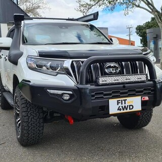 Want to make your Prado 150 look like a beast. Add a MCC Phoenix Single Loop bar and a Ultravision Lightbar.   MCC 4x4 Accessories Ultra Vision Lighting #fitmy4wd #getfitted