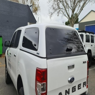When looking for a quality Canopy, look no further than ABS Plastic for the construction. This Ranger was fitted with a Aeroklas Canopy with Central Locking and dual lift up windows.   Aeroklas #fitmy4wd #getfitted